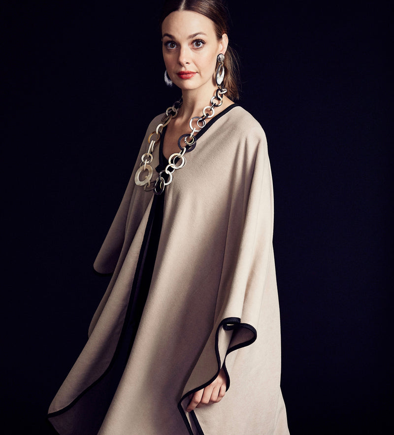 Khadia Cape: Oatmeal with Black