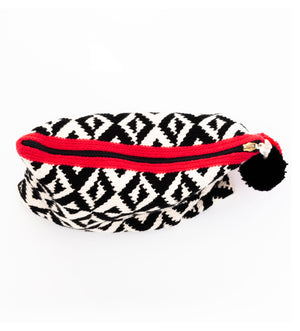 Black White with A Hint of Red Pochette