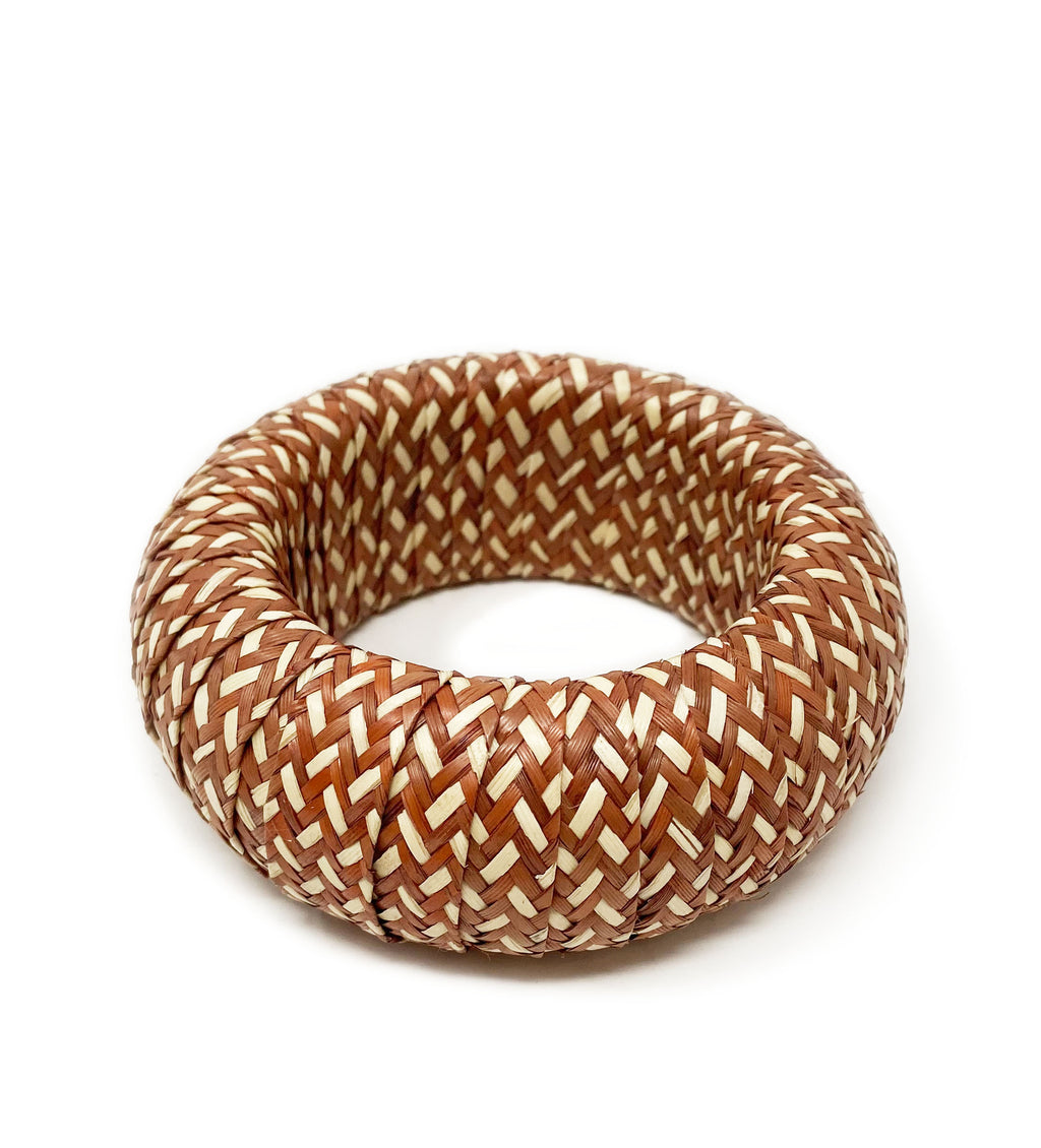 Cana Flecha Large Bangle: Terracotta and White