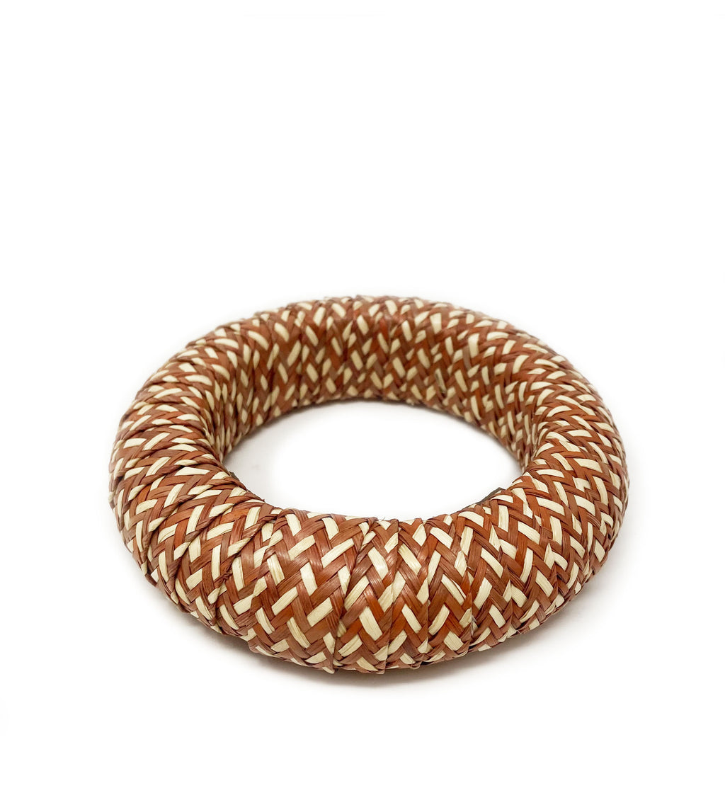 Cana Flecha Small Bangle: Terracotta and White
