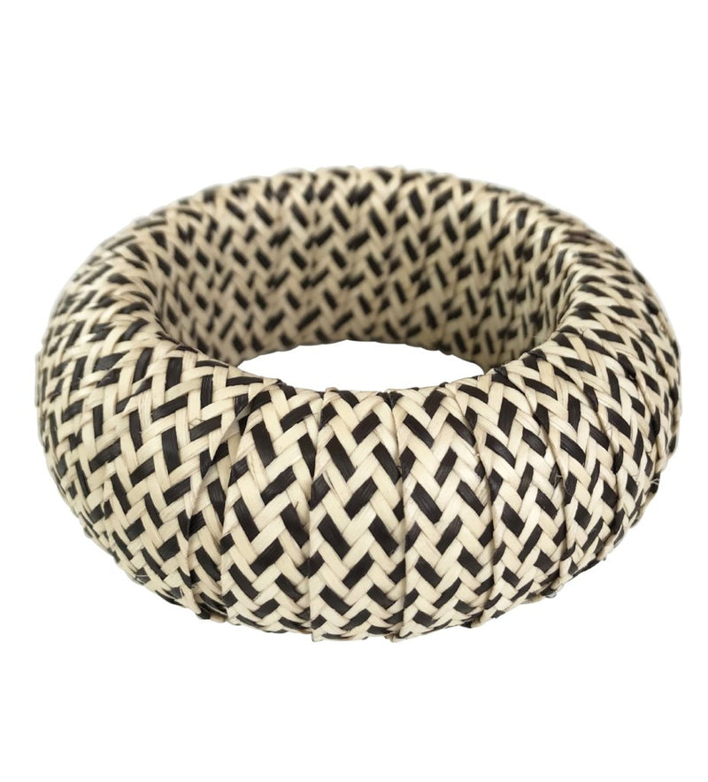Cana Flecha Large Bangle: Black and White