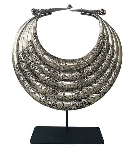 Chinese Silver Necklace with Lines