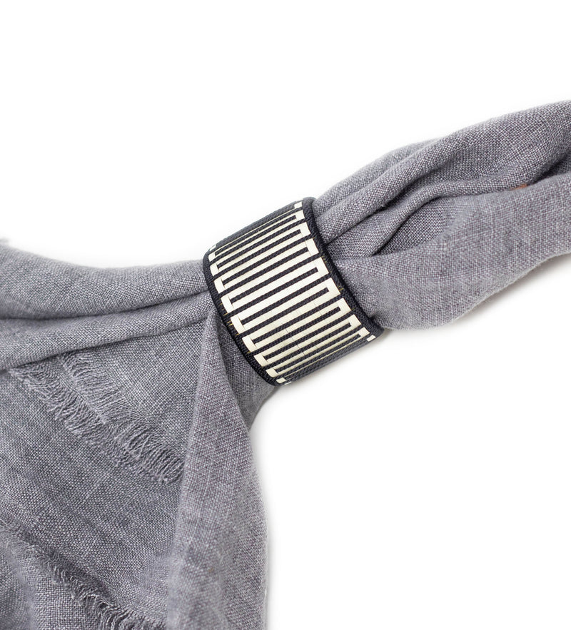 Colombian Woven Napkin Ring: Black Maze