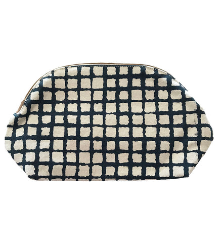Black and White Pochette