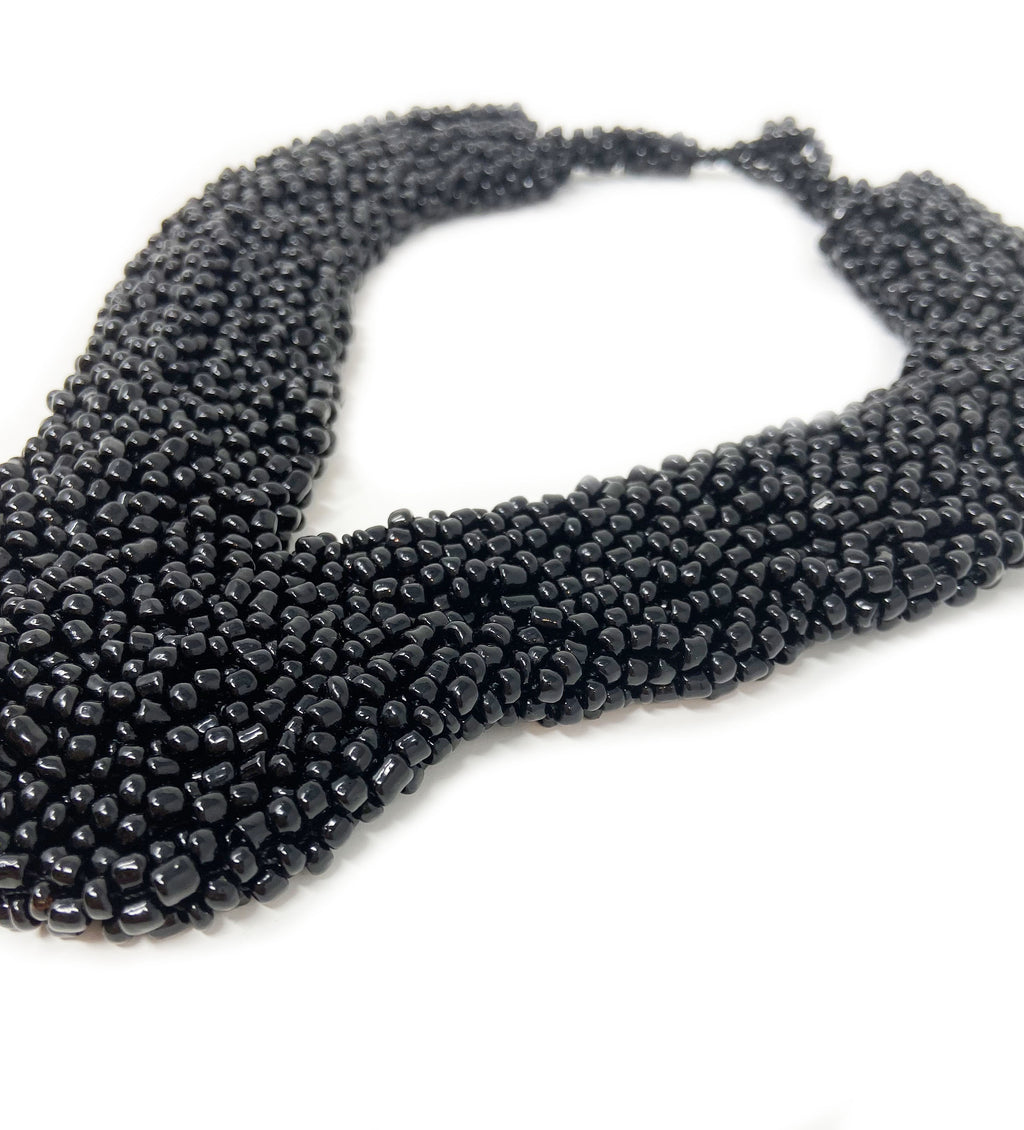 Elegant Beaded Collar Necklace: Black