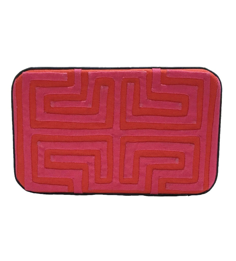 Kuna Box Clutch: Fuschia