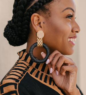 Maguey Hoop Earrings: Black