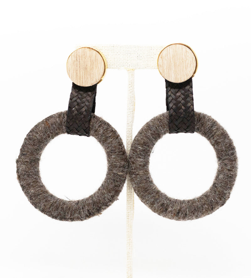 Maguey Wool Earring: Grey