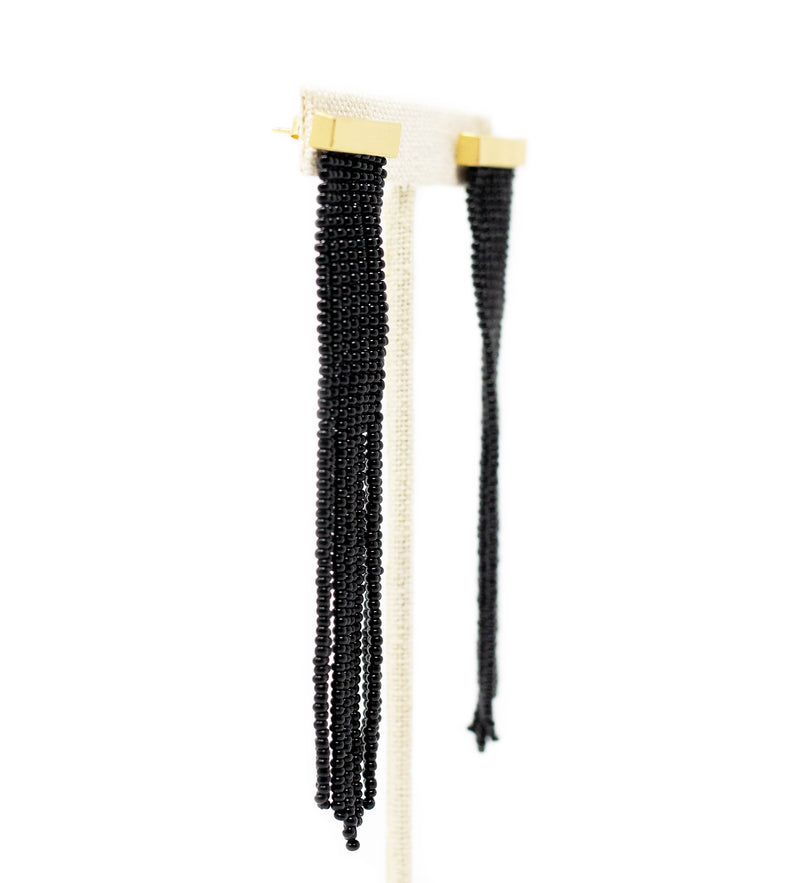 Nubia Beaded Earring: Black