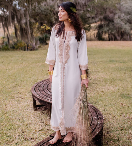 Sile V-Neck Caftan: White