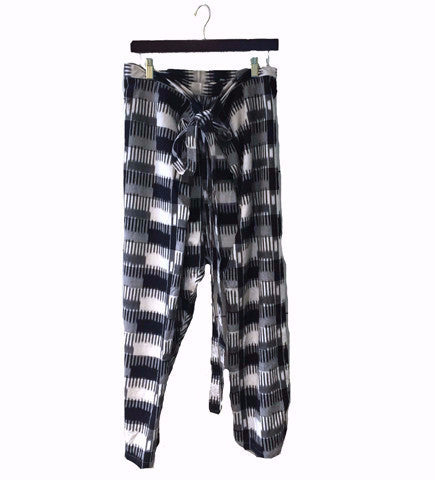 The Lounge Lunghi Pant: Black/White