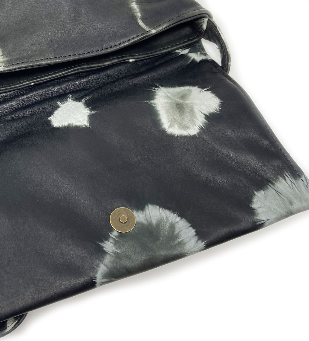 Robel Cross Body Bag: Black Circle