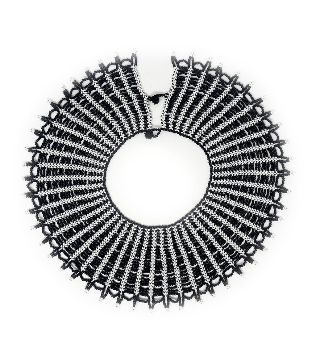 Saina Collar: Black and White