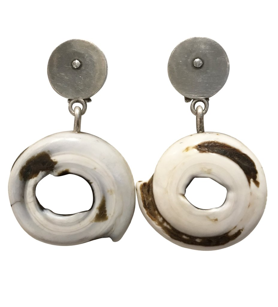 Single Ring Shell Earring