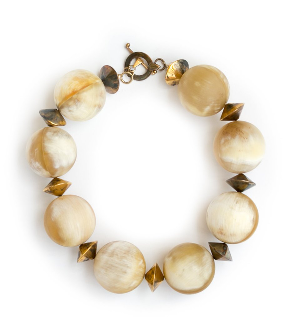 Sphere Horn Choker in Gold/White