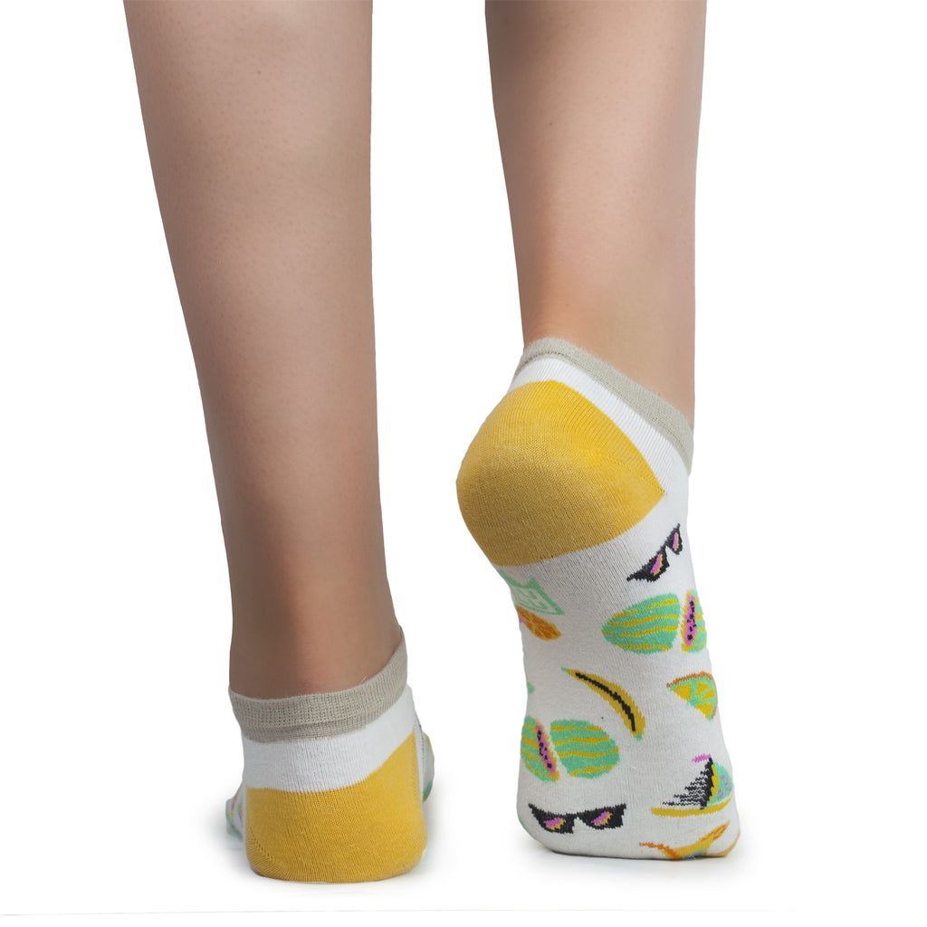 Socks with bananas