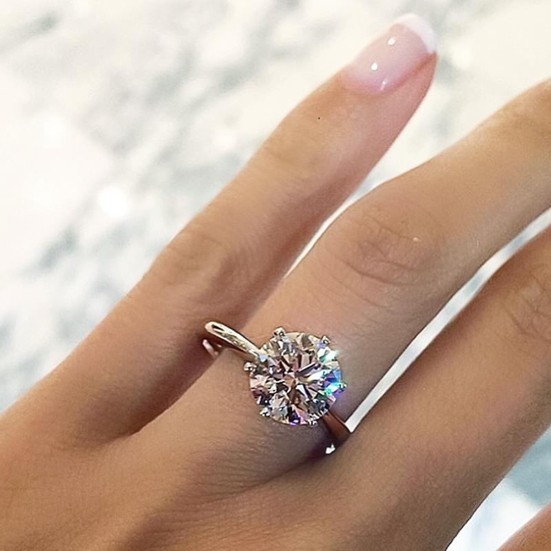Handmade 1.5 CT Classic Round Cut Solitaire Engagement Ring