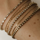 Load image into Gallery viewer, Delicate Staple Chain Bracelet - 10k Solid Gold