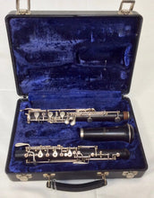Load image into Gallery viewer, Pre-owned Selmer Intermediate Wood Oboe - serviced & ready to play - Fornaszewski Music Store, Granite City IL 62040 - www.stanf.com