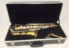 Load image into Gallery viewer, Pre-owned Conn 20M Alto Sax - serviced & ready to play - Fornaszewski Music Store, Granite City IL 62040 - www.stanf.com