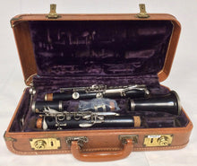 Load image into Gallery viewer, Pre-owned Selmer Signet Special Grenadilla Wood Clarinet - ready to play - F575 - Fornaszewski Music Store, Granite City IL 62040 - www.stanf.com