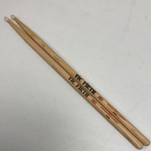 Load image into Gallery viewer, Vic Firth 5AN Nylon Tip American Classic Drumsticks