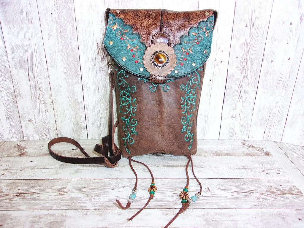 Cross-Body Leather Hipster HP729 - Cowboy Boot Purses by Chris Thompson for Distinctive Western Fashion