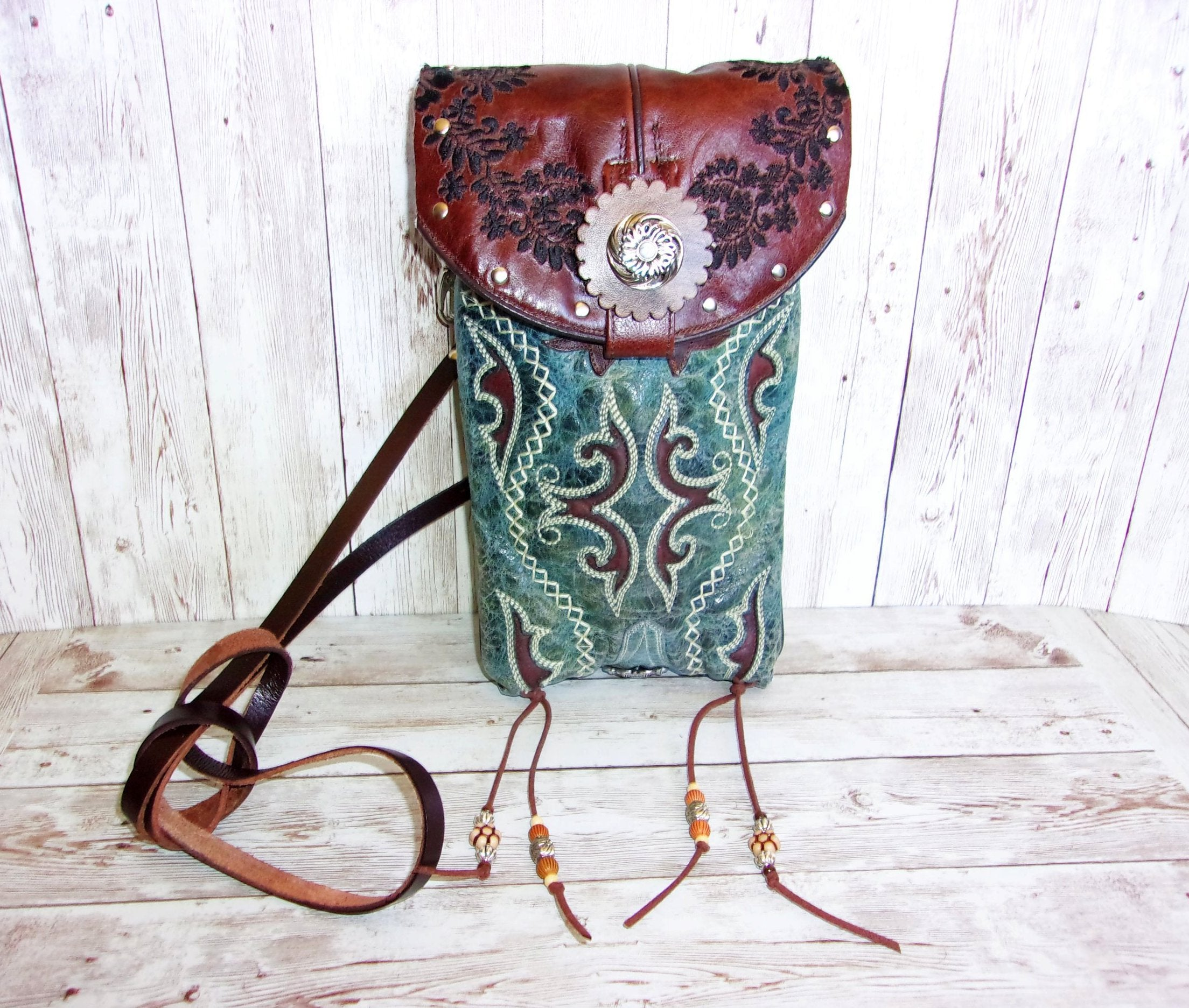 Cross-Body Leather Hipster HP731 - Cowboy Boot Purses by Chris Thompson for Distinctive Western Fashion