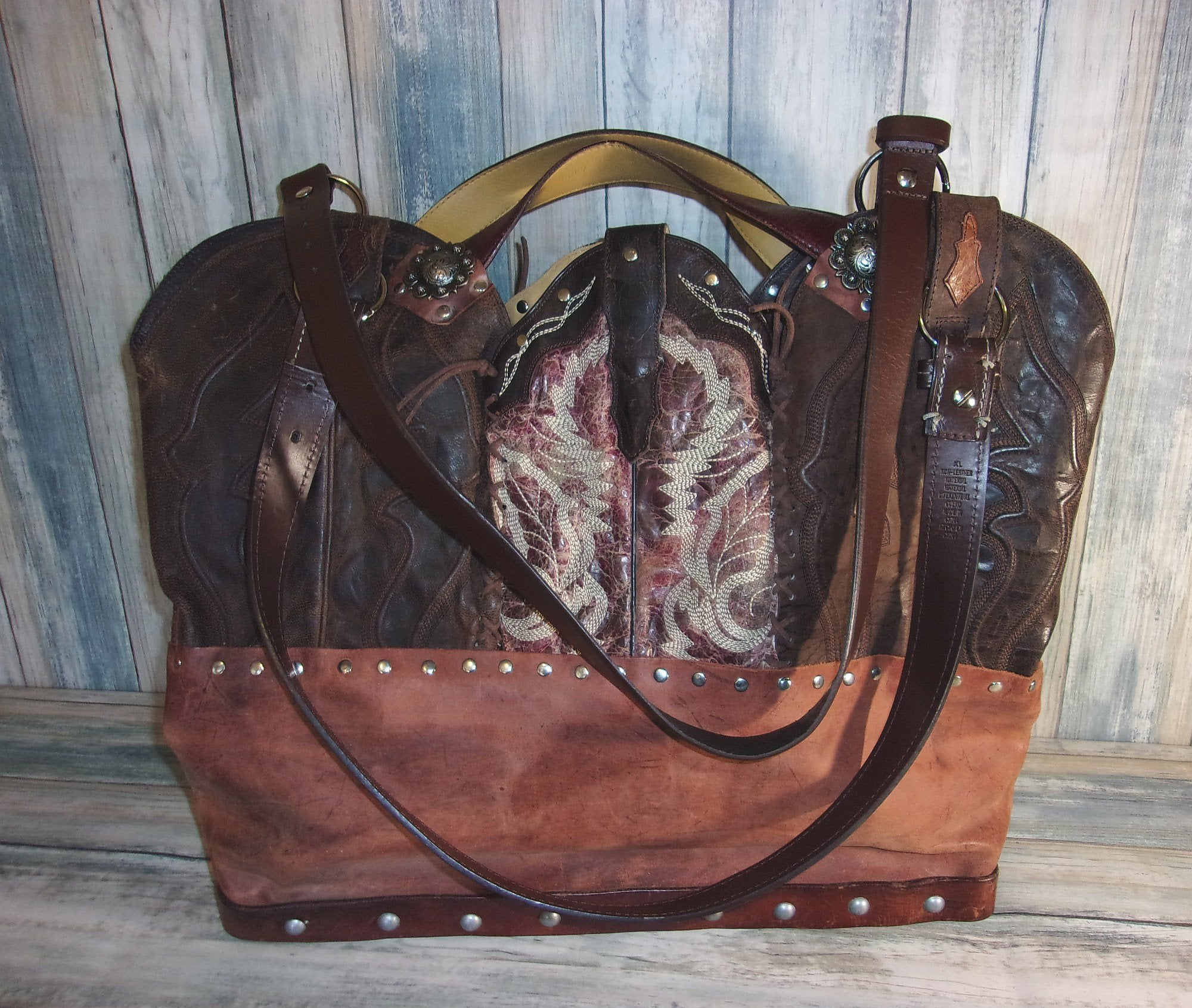 Texas Longhorn Leather Tote LT16 - Distinctive Western Handbags, Purses and Totes