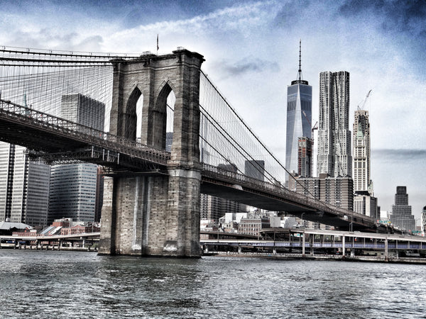 Side view of Brooklyn Bridge during daytime