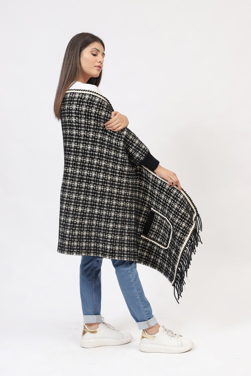 Checkered Cape Shawl With Pockets
