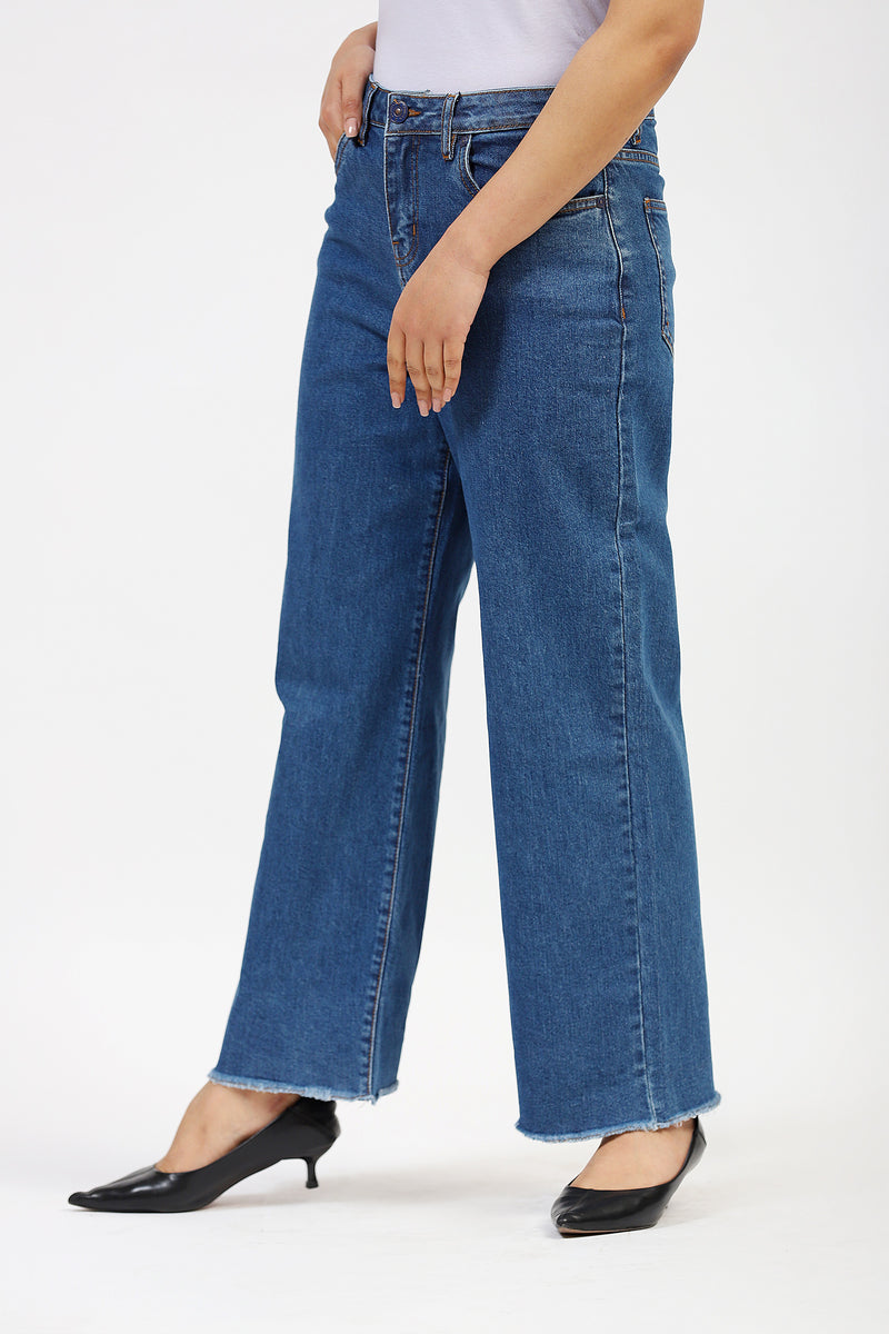 Wide Legged Jeans