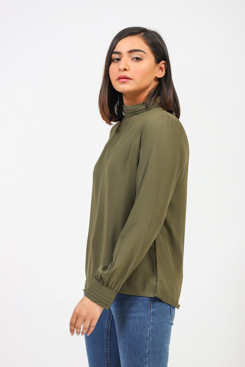 Solid Top With Pleated Ban