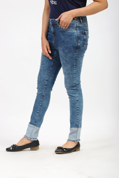 Faded Jeans With Contrast Bottom