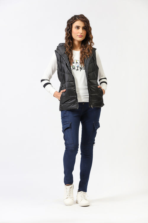Sleeveless Puffer Jacket With Side Pockets