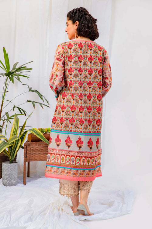 Kurti With Blossoming Floral Pattern Enriched With Vibrant Colors