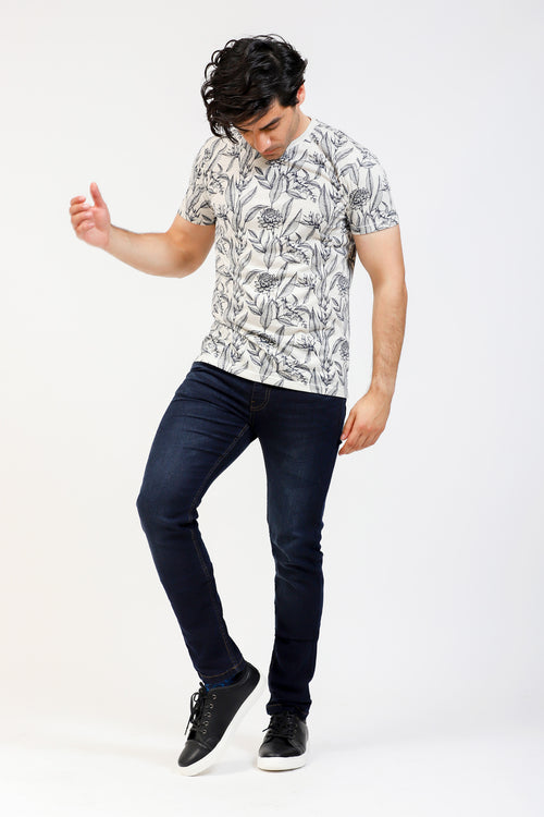 Round Neck Tee With Tropical Pattern