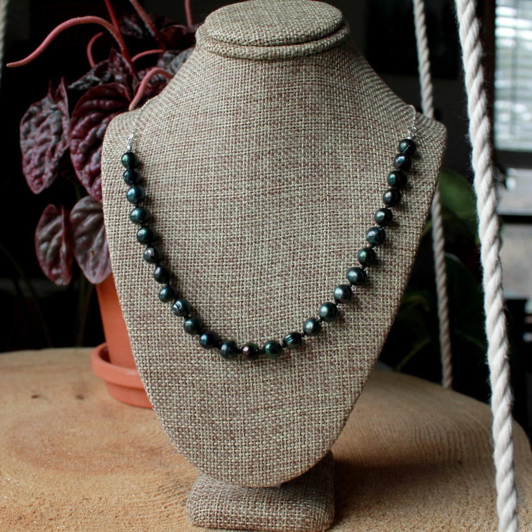 Emerald Green Pearls Rosary short necklace