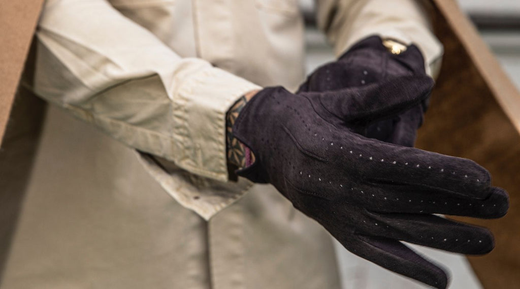 Leather gloves and suede gloves