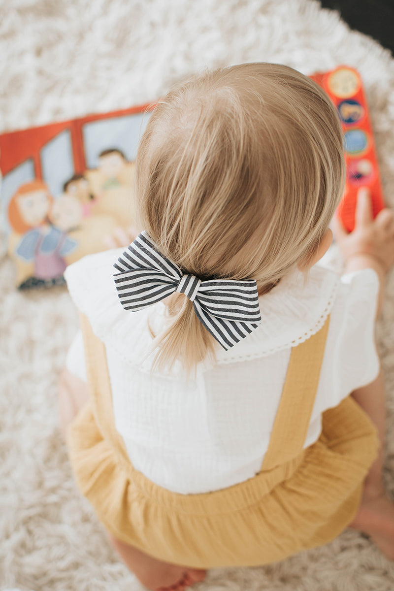 Bella Hair Bow - hair clip or elastic headband - length: 11cm
