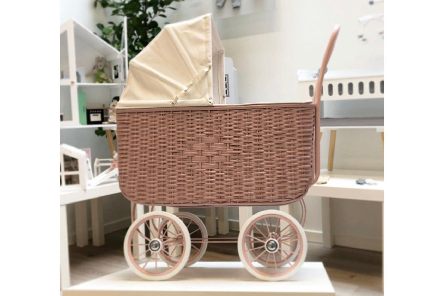 Doll Retri Rattan Pram, Rose