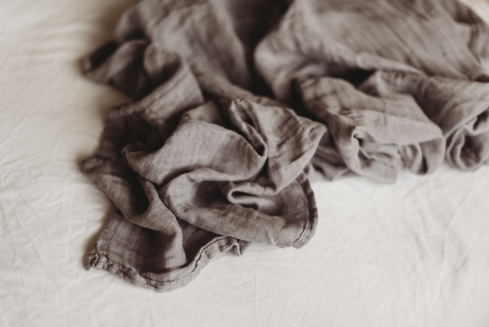 Muslin wrap - grey dove