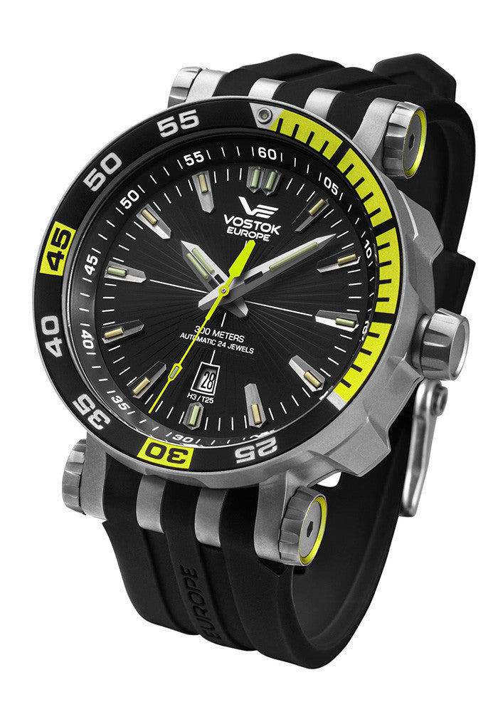 Energia Auto Titanium 575H283 with silicone band
