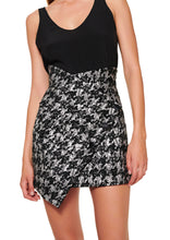 Load image into Gallery viewer, BLACK AND WHITE ASYMMETRIC JACQUARD SKIRT