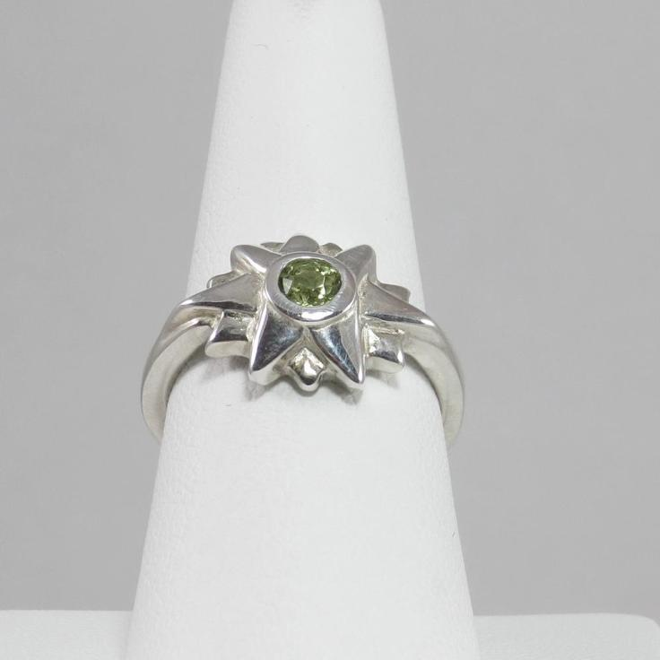 Starburst Ring with Green Peridot Stone
