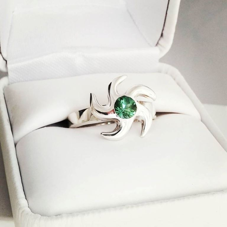 Vortex Ring with Green Peridot