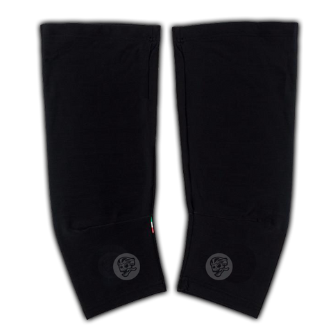 ATTAQUER KNEE WARMERS BLKAC/REFLECTIVE LOGO - LARGE