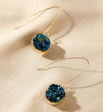 Load image into Gallery viewer, Glistening turquoise blue earrings