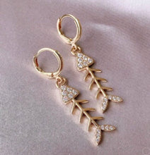 Load image into Gallery viewer, Gold and Rhinestone Fishbone Earrings