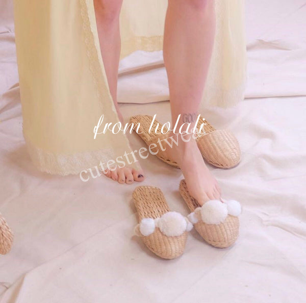 Beach Style Women Straw Slippers Holiday Fashion Hair Ball Yarn Straw Sandals